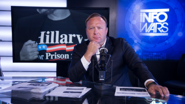 Twitter_blocks_Alex_Jones